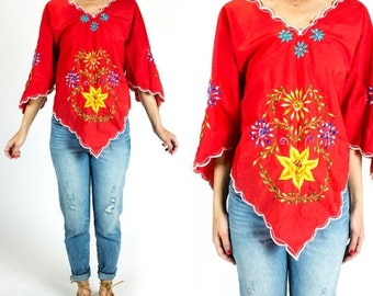 SUMMER CLEARANCE Vintage 1970s Bright Red Floral Embroidered Scalloped Flutter Sleeve Peasant Blouse Tunic Size S Small M Medium