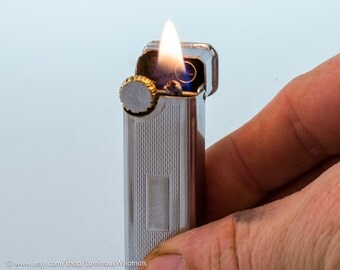 Working 1940s English Polo Big Ben Pocket Lighter With Engine Turned Finish