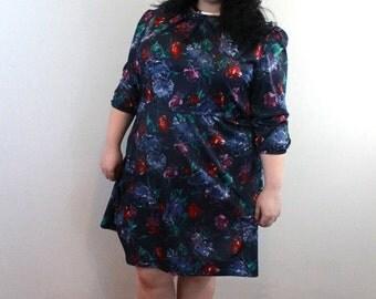 l SALE l Vintage 1980's Navy Floral Poly Dress Size 2X