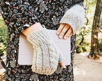 Mens Knit Gloves, Men's Fingerless Gloves, Fingerless Wool Gloves, Womens Gloves, Texting Gloves, Dove Heather Grey || DOUBLE CABLE GLOVES