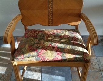 Antique 1930 Or 40u0027s Vanity Chair.we Do Accept Best Offers