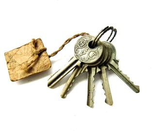 Vintage Collection of 5 Metal Keys