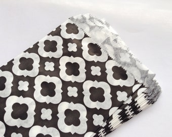 """LAST SET 35 Black and White Mod Print Paper Bags,Gift Bags,Party Bags (Size 5 1/8"""" X 6 1/2"""")"""