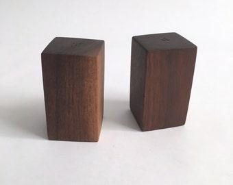 Modern Teak Wood Salt and pepper Shaker S&p Set Wooden Rectangle Blocks