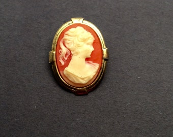 Small Cameo BROOCH, Pink and White, Antique Gold Tone, Art Deco, Victorian, Item No. B705