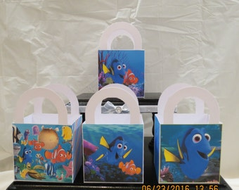 "Finding Dory Favor/Treat Bags (Set of 12) 3""H x 3""W x 2""D"