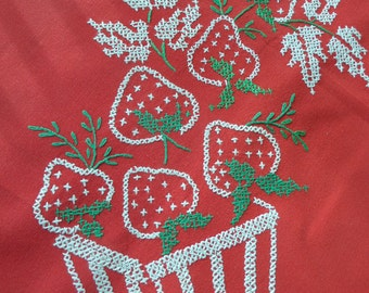 """Vintage Strawberry Tablecloth and Napkins -- Embroidered Tablecloth -- 34"""" x 48"""""""