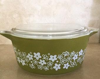 Vintage Avocado Green Spring Blossom / Crazy Daisy 2.5 Quart Pyrex Casserole Dish with Lid