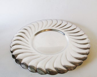 Wm Rogers Waverly Serving Tray,  Round Silverplated Tray, Wedding Silver, Sweet Tray, Charger