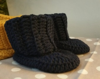 Baby Booties with Ribbed Cuff
