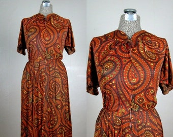 25% Off Summer Sale.... Vintage 1950s Nylon Jersey Dress 50s Autumn Colored Paisley Dress by Carol Brent Size XL 14