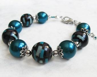 Teal bracelet, Beaded polymer clay bracelet, Faux pearl bracelet, Beaded bracelet, Faux pearl jewelry, Teal jewelry, One of a kind bracelet
