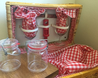 "Vintage ""Picnic Time"" Picnic Basket, Red White Gingham Cloth, Napkins, Wine Glasses, Cheese Board, Corkscrew, Plastic Jam Jars"