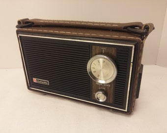 Vintage 1970s Juliette Solid State AM Transistor Radio