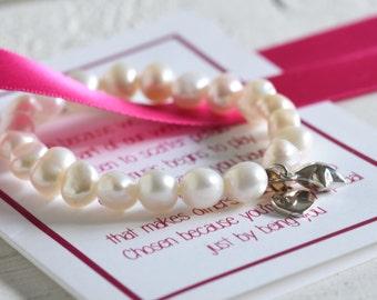 Flower Girl Bracelet, Flower Girl Gift, Flower Girl Pearl Bracelet, Wedding Gift for Flower Girl, Wedding Thank you Gift, Personalised Gift