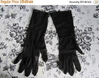 ON SALE Vintage Womens Gloves Day Gloves Dark Chocolate Brown Zig Zag Nylon Mesh