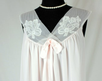 Vintage Nightgown Babydoll Nightie Pale Pink and Lace Gorgeous Large Aristocraft