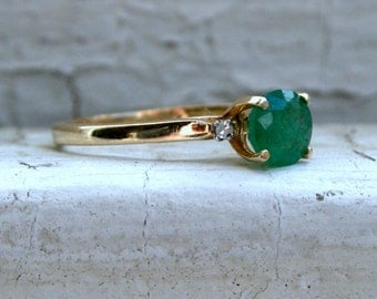 RESERVED - Beautiful Vintage 14K Yellow Gold Diamond and Emerald Ring - 0.72ct.