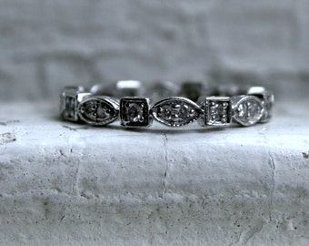 Vintage 14K White Gold Diamond Scalloped Eternity Wedding Band - 0.44ct.