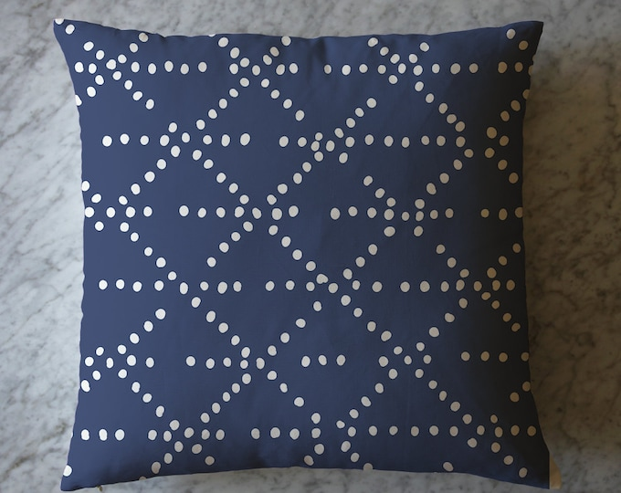 Pillow with Triangle Dots. April 5, 2016