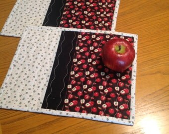 Apple Mug Rugs, quilted mug rugs, snack mats, candle mat, hostess gift