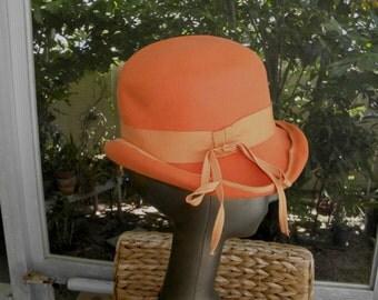 "60's Orange Cloche ""Fur Felt"" Hat by Doree of New York, sz M"
