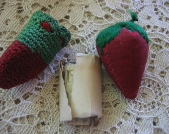 Antique Emery and Pins /Thimble Case Strawberry Emery Red Wool with Green Wool Embroidered Top Lovely Victorian Sewing Basket Accessories