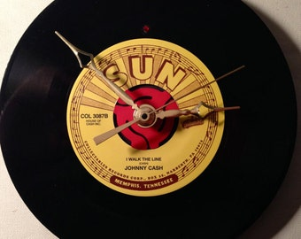 """Recycled JOHNNY CASH 7"""" Record / I Walk The Line / Record Clock"""