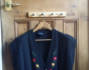 Vintage embroidered sweater medium navy blue