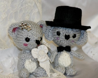 Knit Mouse Bride and Groom Dolls - Little Amigurumi Knitted Wedding Mice