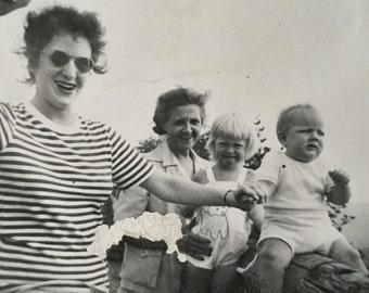 Original Vintage Photograph Aunt Peg & the Kids 1944