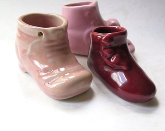 Baby Shoes Pottery Planter Vintage Ceramic Pink Rose Burgundy 1940s