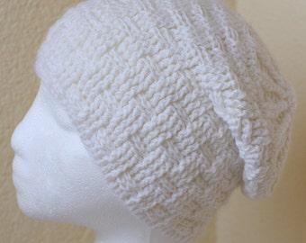 Crochet handmade White hat, winter hat, winter cap, demi cap.