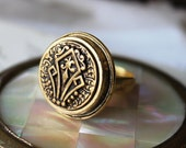 Antique Button Ring Gold, Stylized Fleur de Lis Ring Adjustable,Antique Button Jewelry veryDonna, very Donna Sutor