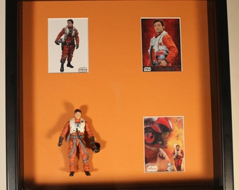 Poe Dameron, Star Wars The Force Awakens – Action Figure Shadow Box with Trading Cards