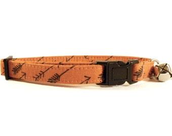 Cat or Small Dog Collar Arrows in Cinnamon