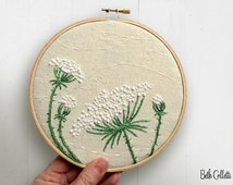 Embroidered Flowers, Queen Anne's Lace Embroidery Hoop Art, Boho Cottage Wildflowers Hoop Wall Art, Modern Rustic White Flowers, Farmhouse