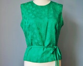 Green Brocade Top / Vtg 5...