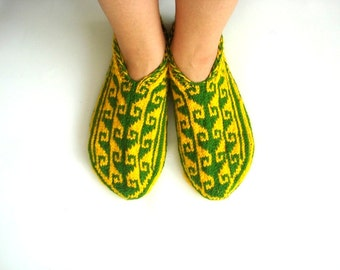 xl womens slippers, Green and mustard adult slippers, womens home shoes, gifts for dad father boyfriend small mens size 7 8 9