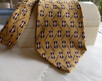 Bill Blass Designer Silk Vintage Tie!  Imported Silk