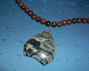 """Artisan stone pendant necklace featuring green and """"red"""" Jasper"""