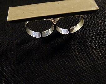 Double Finger Concrete Ring