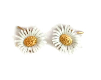 Marvella Daisy Earrings, Clip On, White Gold, Retro Spring Summer Fashion Trend, Signed Vintage Earrings