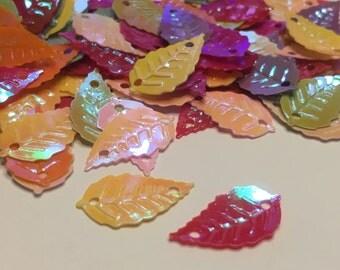 30 iridescent  leaf sequins, 9 x 16 mm (28)