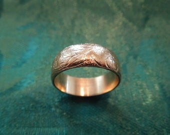 Vintage Costume Ring, Gold Toned Metal, Patterned, Size 6.5