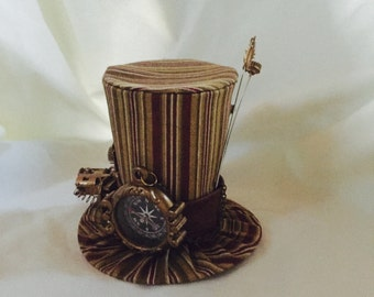 Tiny Top Hat: Steam Punk Explorer striped - Lolita Cosplay Costume Party Fascinator Photo Photography Prop Wedding Tophat Small Miniature