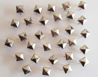 100 - 5mm Silver Pyramid Studs / Rivets / Nailheads