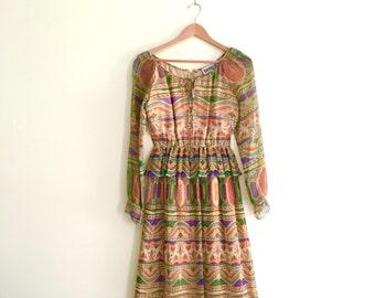 Vintage Tribal Print Day Dress /  Ethnic Abstract Print Peplum Keyhole Bow Dress  / Secretary Dress / Accordion Pleated Dress