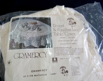 """Beautiful Vintage Ivory Lace Tablecloth  NOSWT 60"""" x 108"""" Gramercy"""