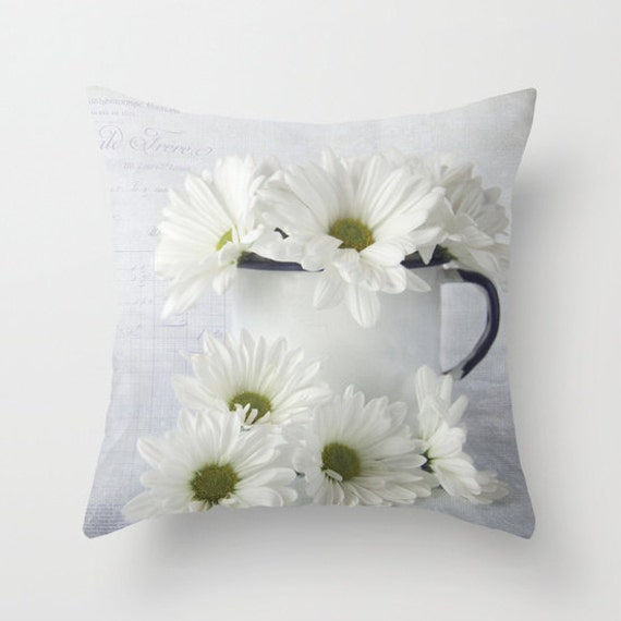 Daisies Photo Throw Pillow, Throw Pillow, Botanical, Floral, Flower, Farmhouse pillow, Pillow Covers, Unique Gifts, Living Room Decor, Gift